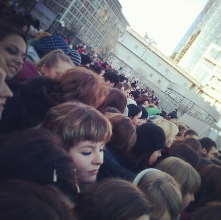 The queue - Photo by @AllaAdams