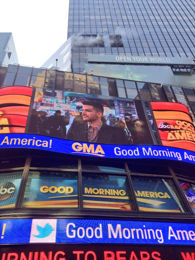 Adam on the jumbotron @GMA - Photo credit @GlamFanNation