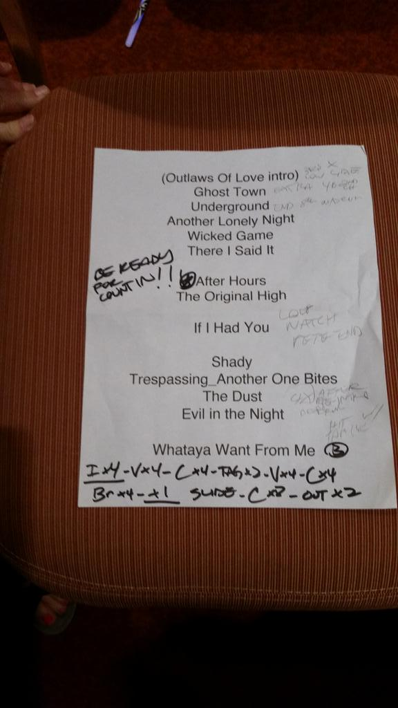 Set List - Photo credit @BUSYBEE8